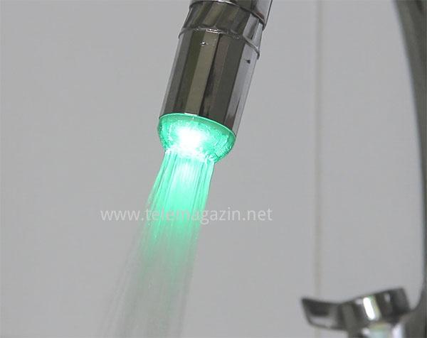 Светодиодная насадка на кран теплая вода